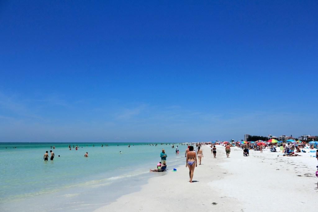 Beautiful white quartz sand Siesta Beach