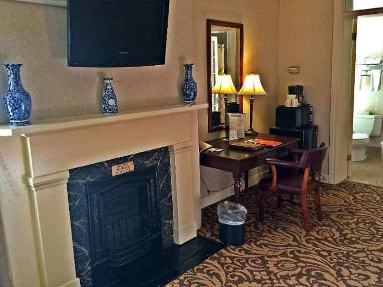 hotel-fireplace-richmond-virginia-jake-wright