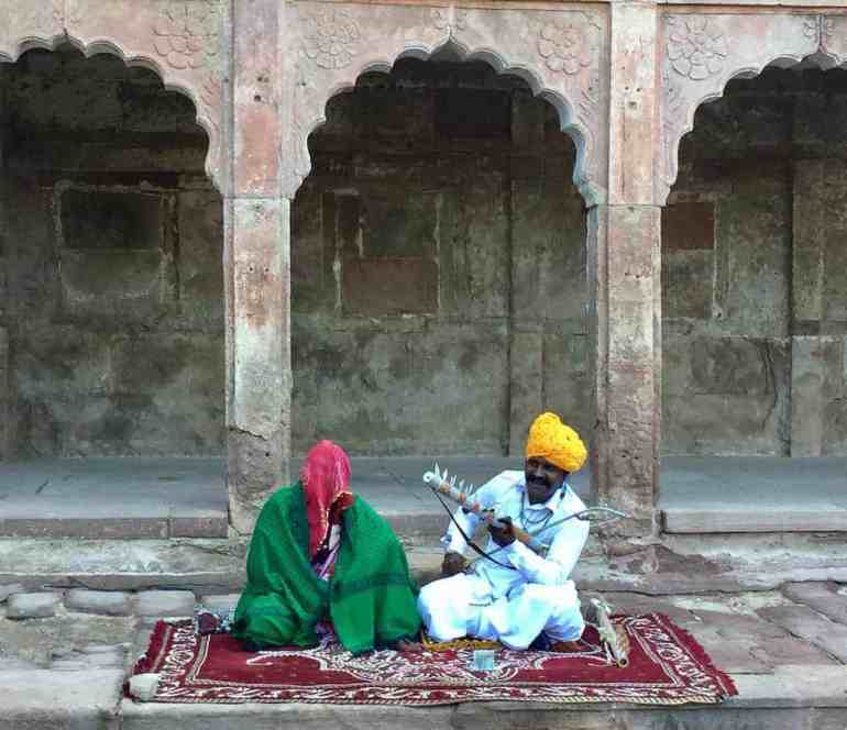 Inside the Mehrangarh Fort, musical couple, india Elena Echave