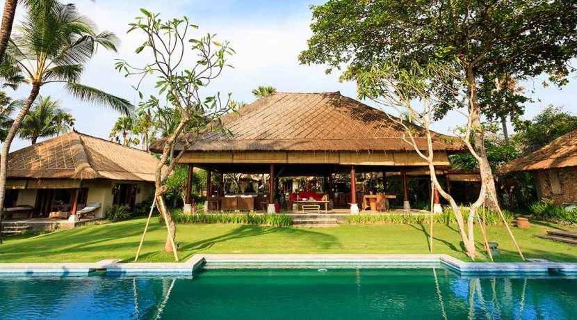 1.-Villa-Maridadi---Open-pavilion-Bali-living