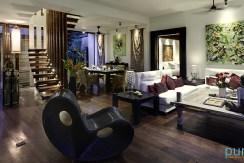 05-Majapahit Beach Villas - Villa Raj - Living and dining