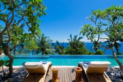 Malimbu Cliff Villa - Pool with view