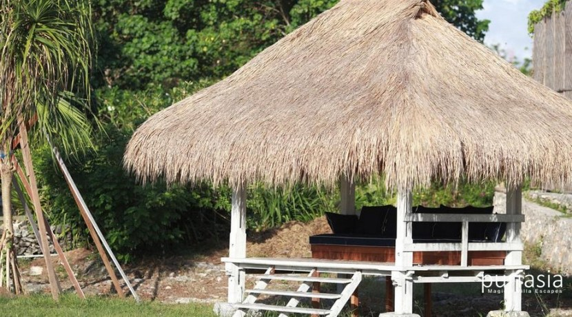Driftwood Villa - Poolside Bale