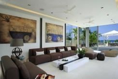 Villa Roxo - Living area and stunning artworks