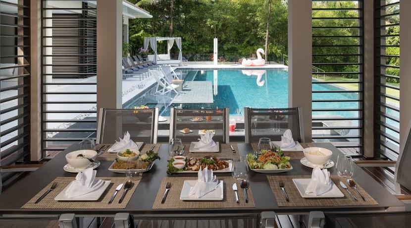 Villa Naam Sawan - Dining Table