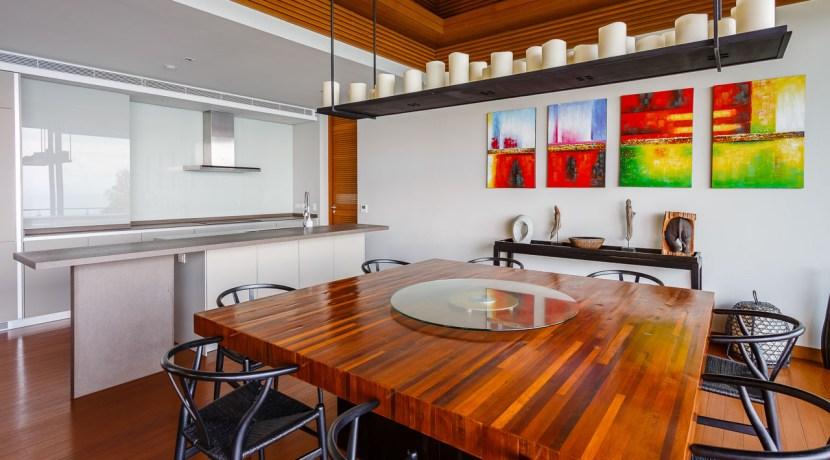 Villa Baan Banyan - Dining table and Guest Kitchen