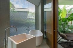 Villa Abiente - Refreshing bathroom setting