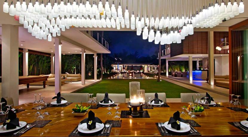 Villa-Kalyani---Dining-table-setting-at-night