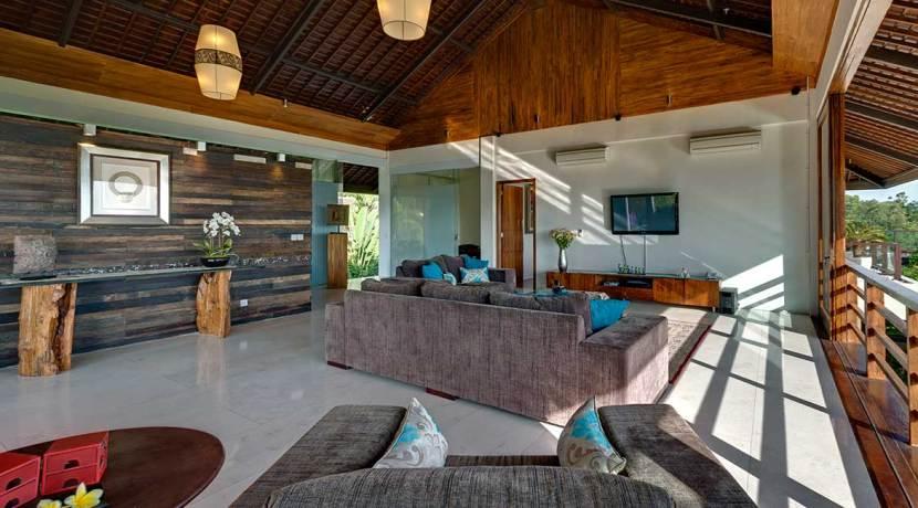 09-Villa-Aiko---Upstairs-open-living