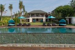1.-Pandawa-Cliff-Estate---Villa-Rose---The-villa-and-gardens