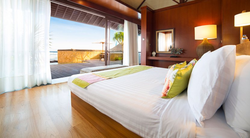 10.-Villa-Bayu-Gita---Beachfront---Master-suite-one
