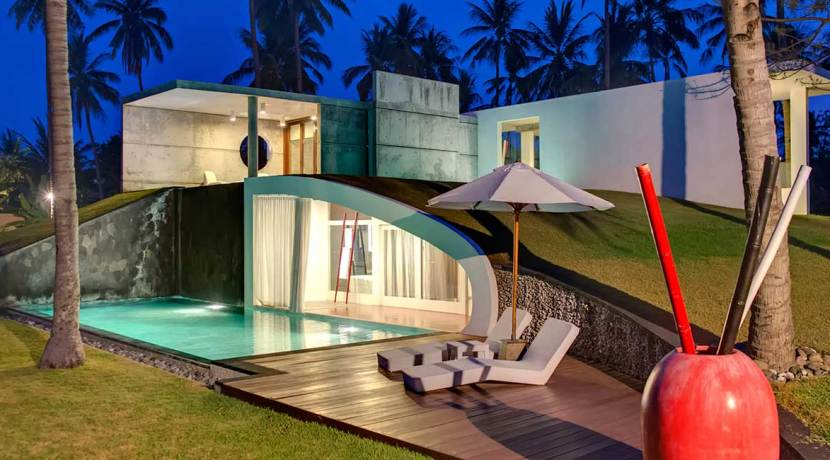 23.-Villa-Sapi---Guest-house-dowstair-pool-at-night