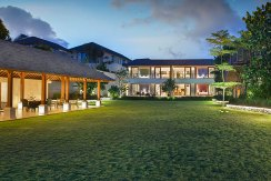 3.-Pandawa-Cliff-Estate---Villa-Markisa---Perfect-for-entertaining