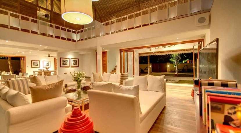 Voyage---Living-room-at-night