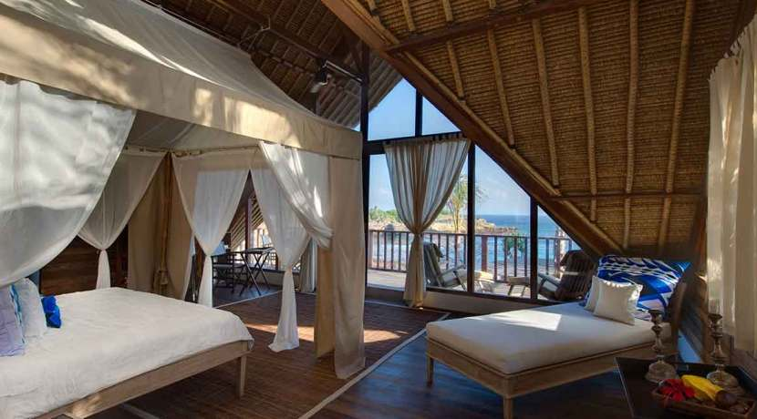 Voyage---Right-side-mezzanine-ocean-suite