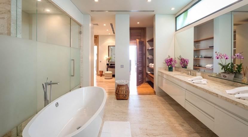 Villa Haleana - Luxury Bathroom