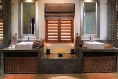 Saffron-and-Blue---Guest-bathroom
