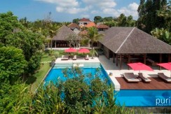 Villa Astika Toyaning - Four Bedrooms Villa in Canggu