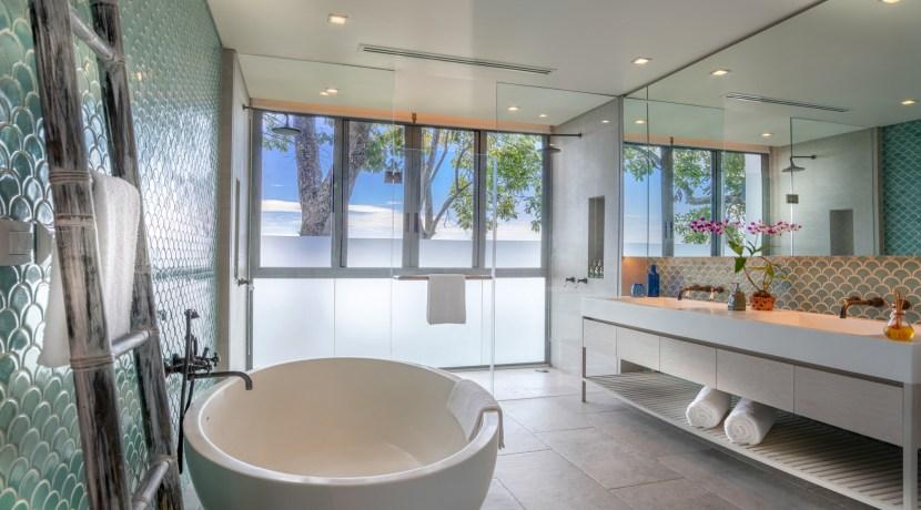 Eagles Nest Villa - bathroom Outlook