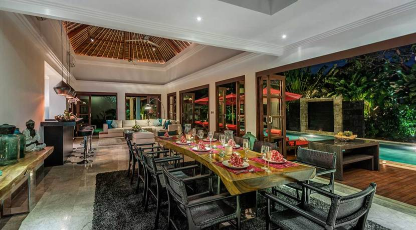 The-Residence,-Seminyak---Villa-Nilaya---Elegant-dining-possibilities