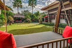 The-Residence,-Seminyak---Villa-Nilaya---Garden-swing-sofa