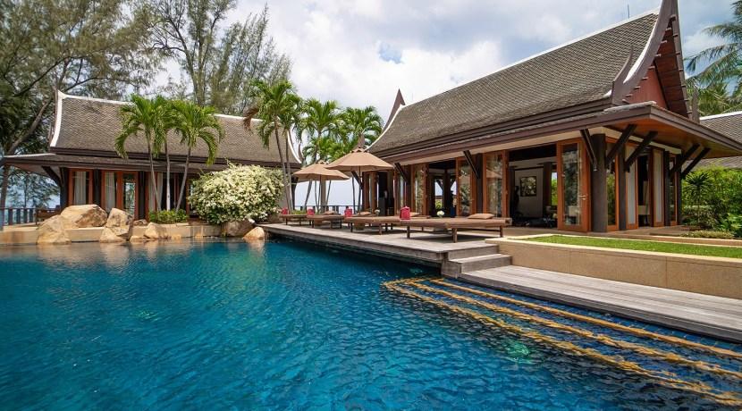 Villa Chada - Glistening pool