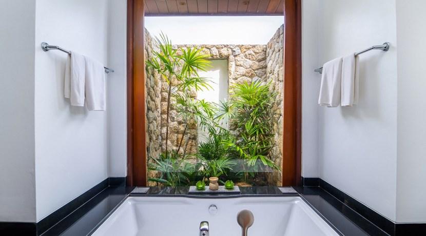 Villa Chada - Guest bedroom two ensuite bathroom design