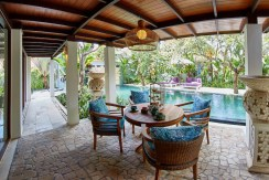 Villa Anggrek - Poolside Breakfast