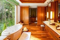 Villa Sawan - Luxury Bathroom
