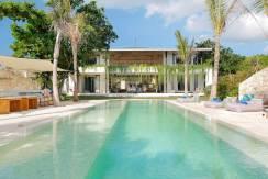 1.-Villa-Seascape---Swimming-pool-and-the-villa