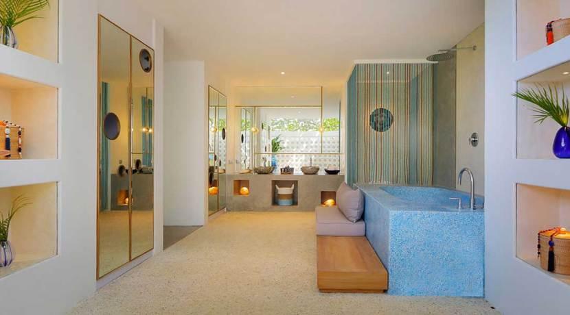26.-Villa-Seascape---Media-room-bathroom