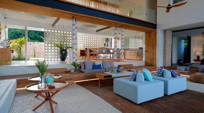 27.-Villa-Seascape---Spacious-indoor-living-area