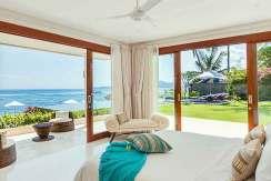 3.-Villa-Tirta-Nila---Oceanfront-bedroom-downstairs
