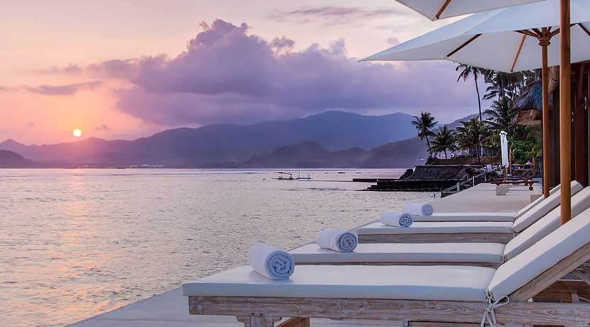 Villa-Tirta-Nila---Glorious-sunset-view-at-the-ocean-deck