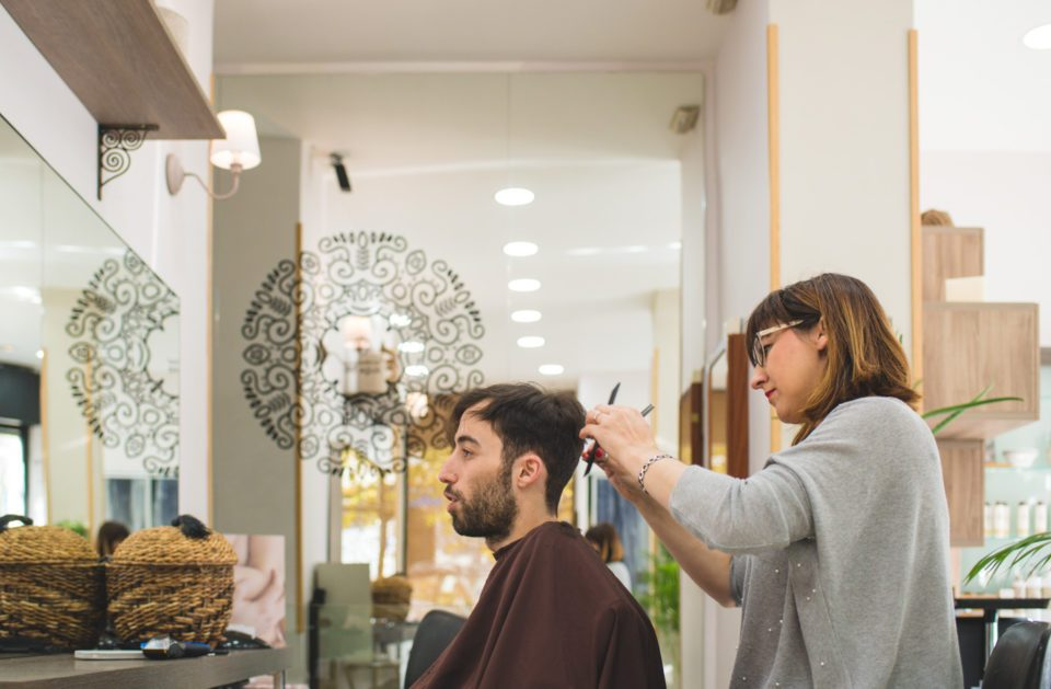 Cambio-de-look-masculino-en-Purificacion-Varas-©-Madrid-a-tu-estilo-15-1024x629