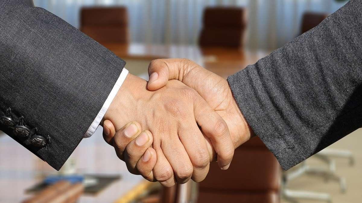 Infor vende su negocio de EAM a Hexagon AB y forma una relación estratégica