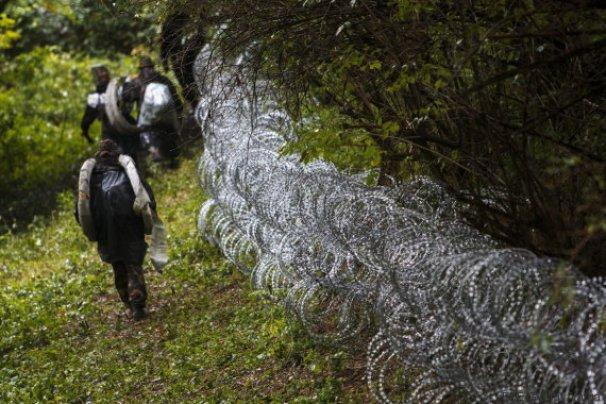 Las alambradas contra los inmigrantes funcionan.EFE/Gyorgy Varga