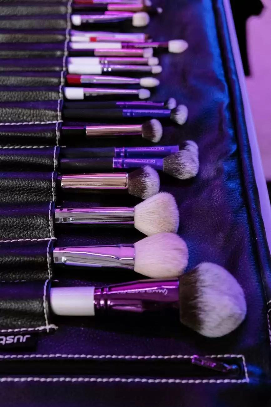 black and silver makeup brush set