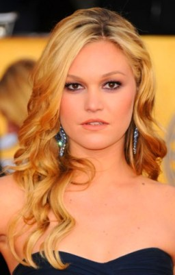 down-Curly-Hairstyles-for-Prom-655x1024