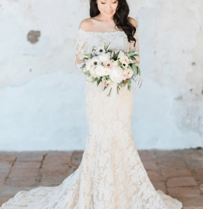 lace-wedding-dresses-never-go-style