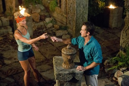 survivor-cambodia-kelley-wentworth-plays-idol