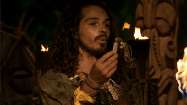 survivor-south-pacific-ozzy-plays-idol-for-whitney