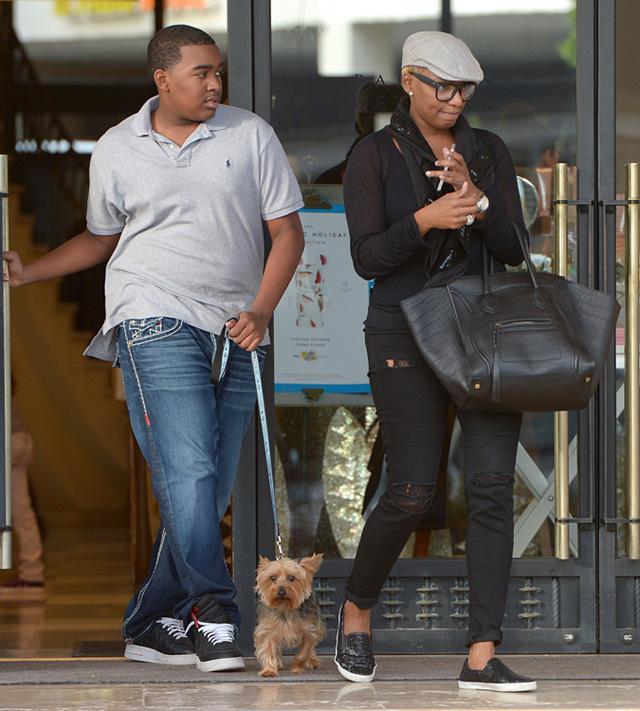 Real Housewives Of Atlantas Nene Leakes Carries Celine To