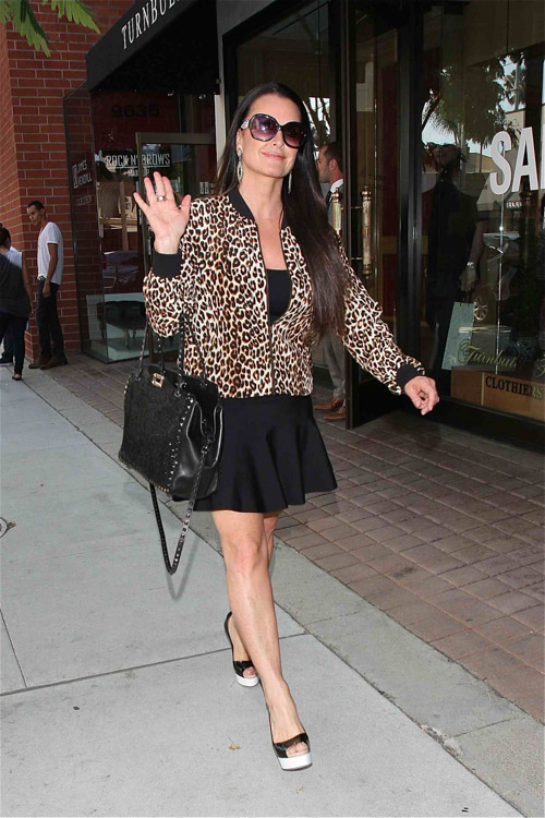 Kyle Richards Heads To Lunch While Toting Valentino