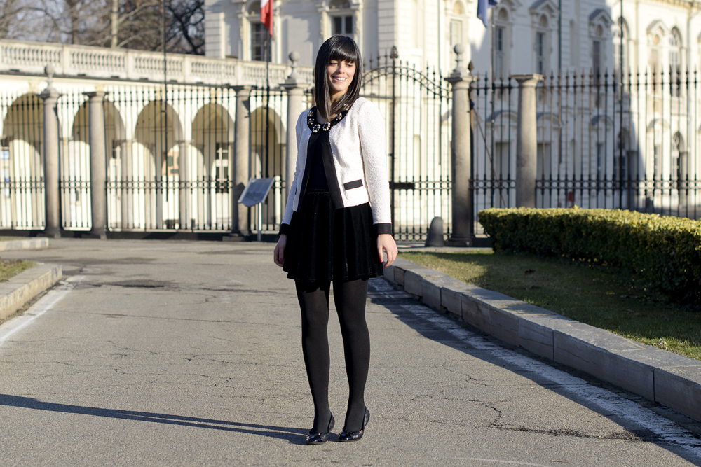 Outfit per San Valentino: Giacca bianca & Total black