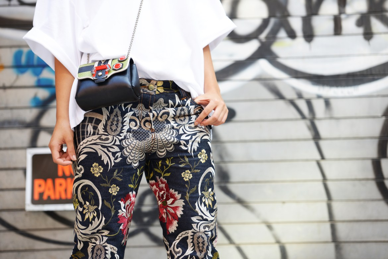 Laura Comolli, Streetstyle NYFW Sept. 9th 2016 - Jeans con ricami floreali: la nuova tendenza per l'autunno 2016
