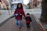 Samuel cape naik sepeda