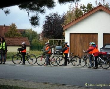 Belajar Bersepeda di jalanan