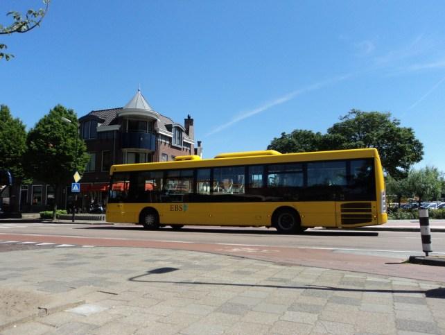 Bus di Volendam Belanda