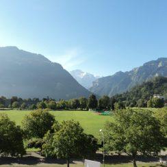 Dari Balkon Apartemen, tampak Gunung Es